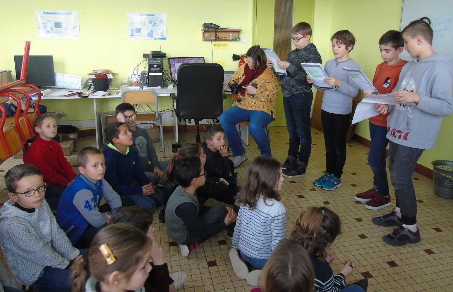 Lecture aux élèves de CP - CE1 dsc06514lectureauxcp-c.e1