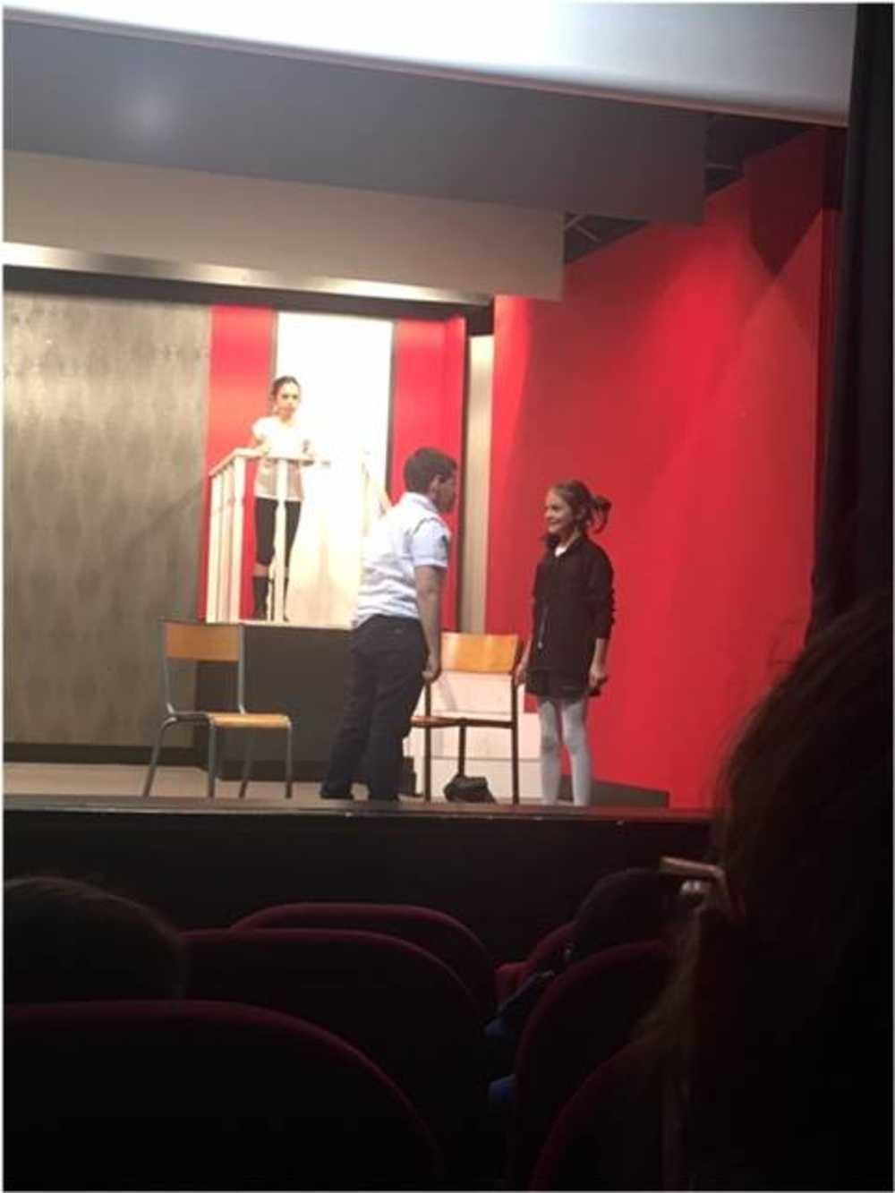 Familles Rurales : photos de la représentation de l''atelier théâtre jeune image1