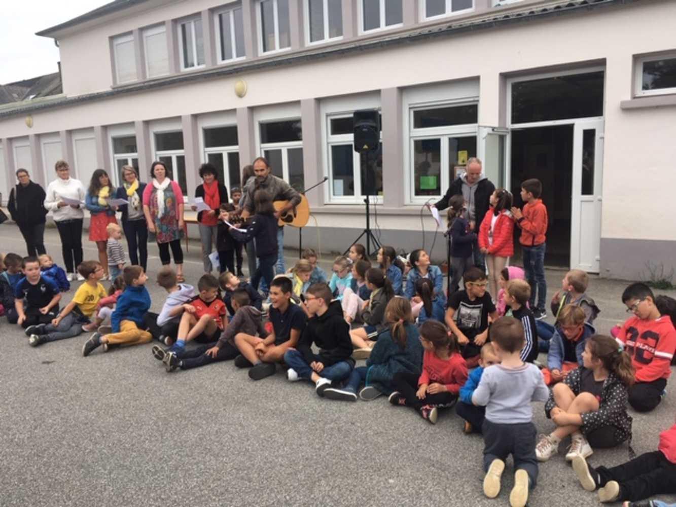 Ecole Saint-Pierre et Collège Saint-Joseph - Photos du pot de rentrée 0