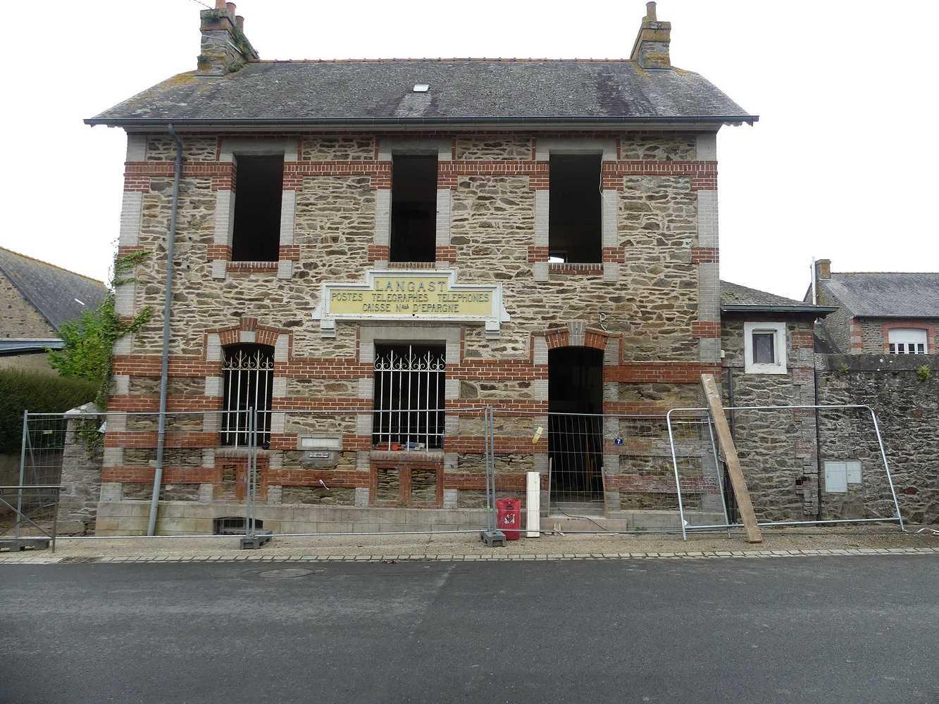 Rénovation de l''ancienne poste à Langast p1000092
