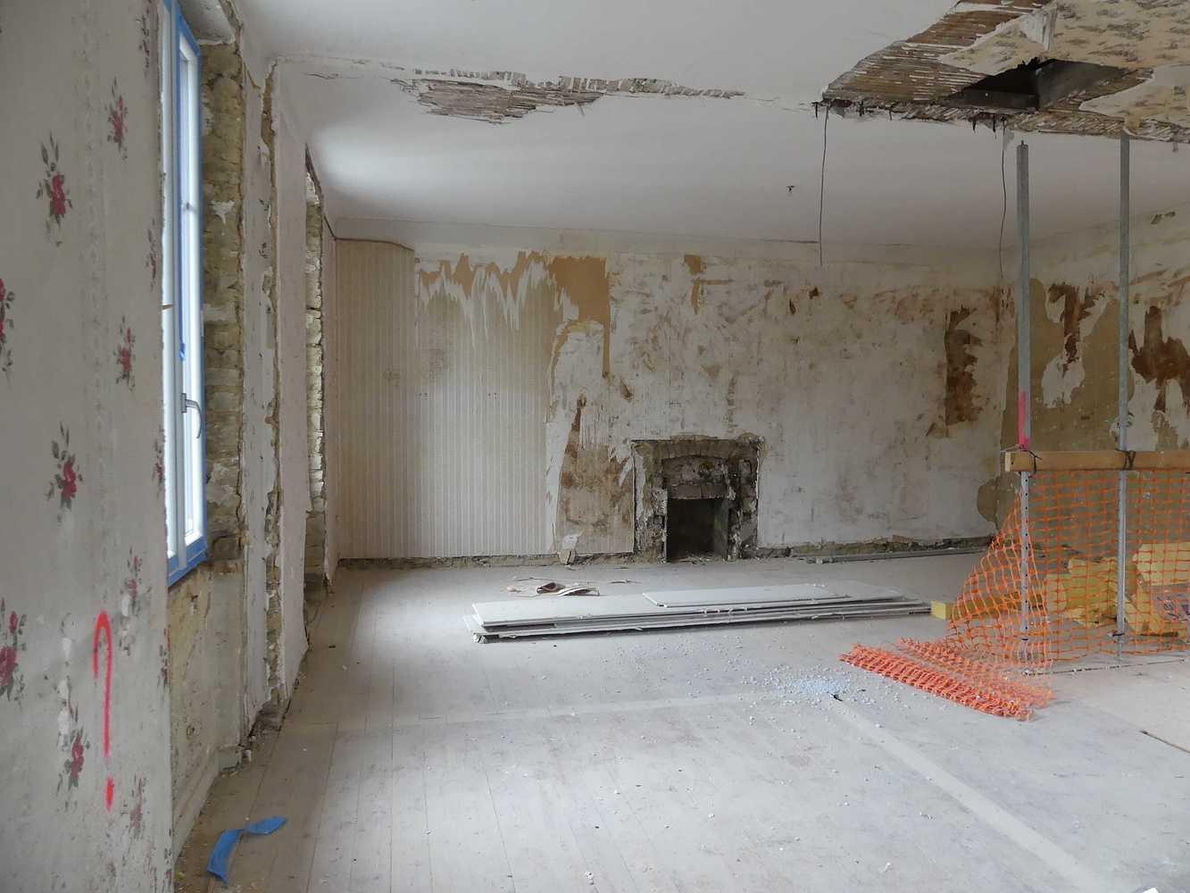 Rénovation de l''ancienne poste à Langast p1000479