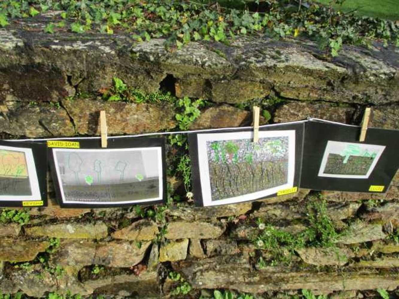 Ecole publique : Photos de l''exposition la Grande Lessive img00601
