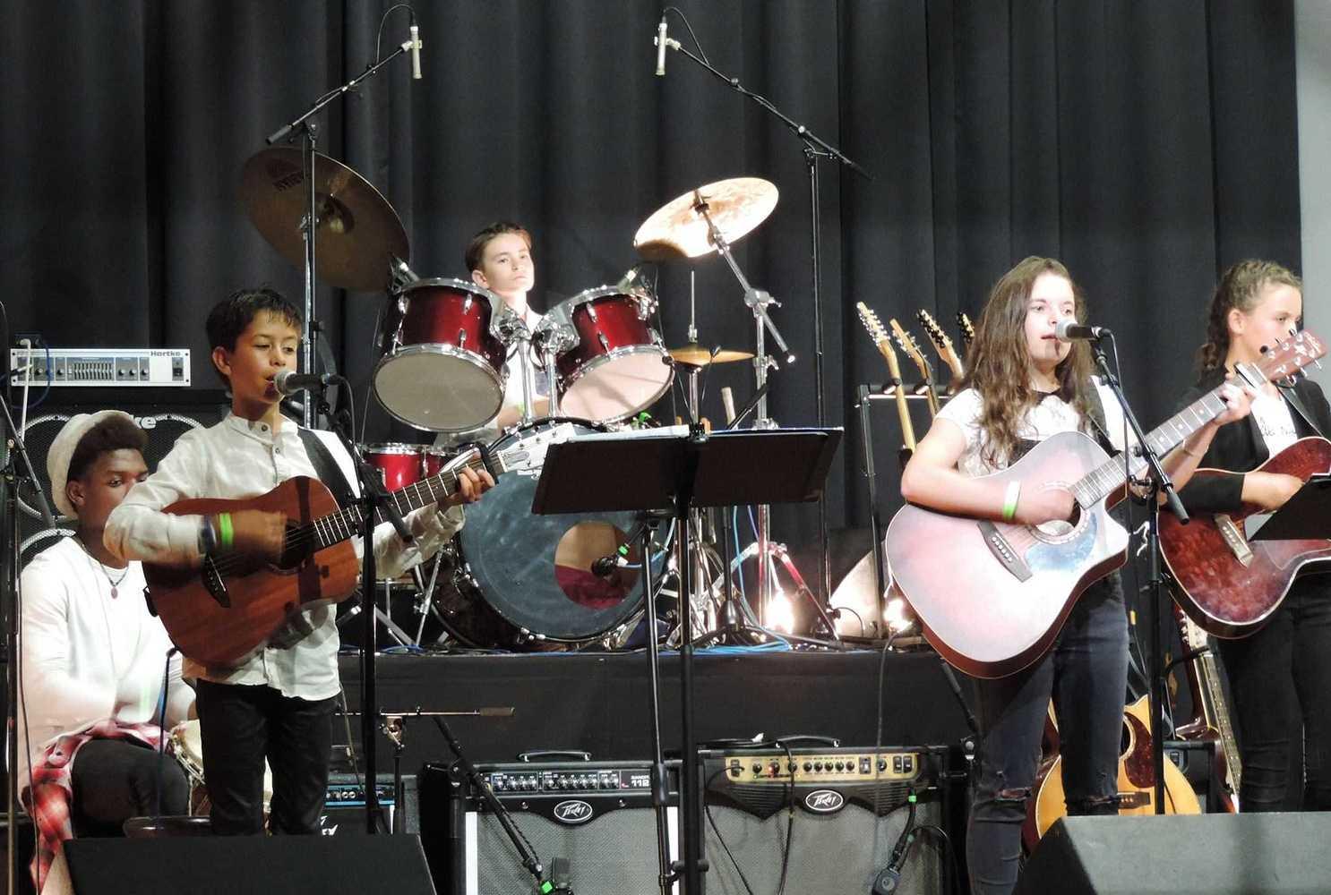 Ecole de Guitare - Concert - 29 juin 2017 - Salle des fêtes 194887545614132875798634069529471682246926o
