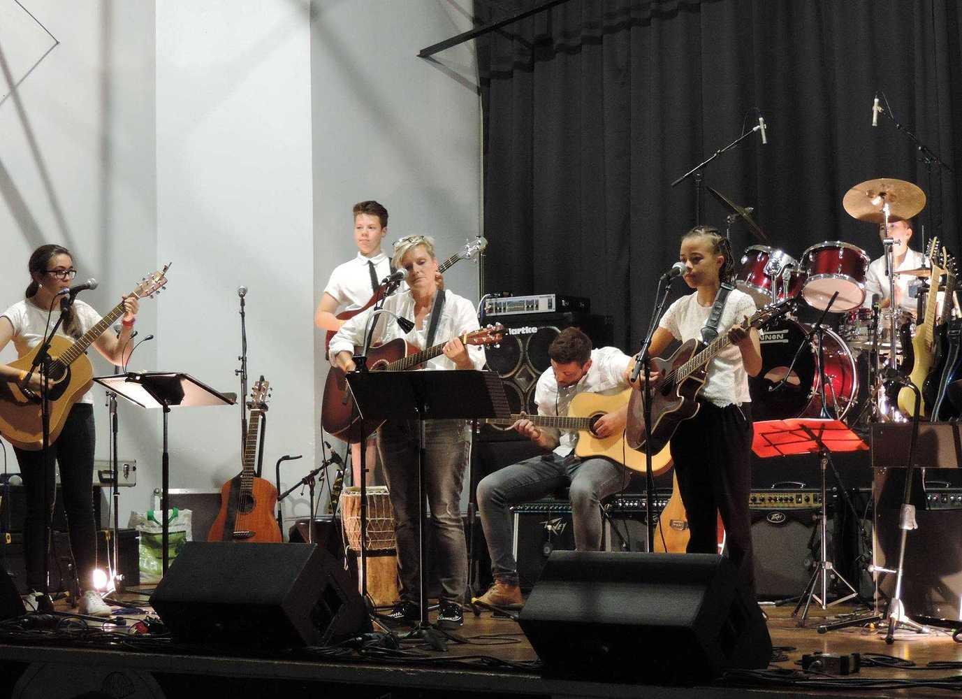 Ecole de Guitare - Concert - 29 juin 2017 - Salle des fêtes 194889745617644108780847545989045244148569o