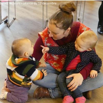 Photos et vidéo de la séance des bébés lecteurs du 12 décembre