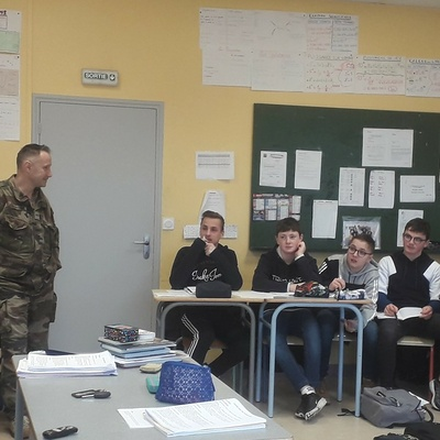 Rencontre avec les représentants du Centre d''Information et de Recrutement des Forces Armées