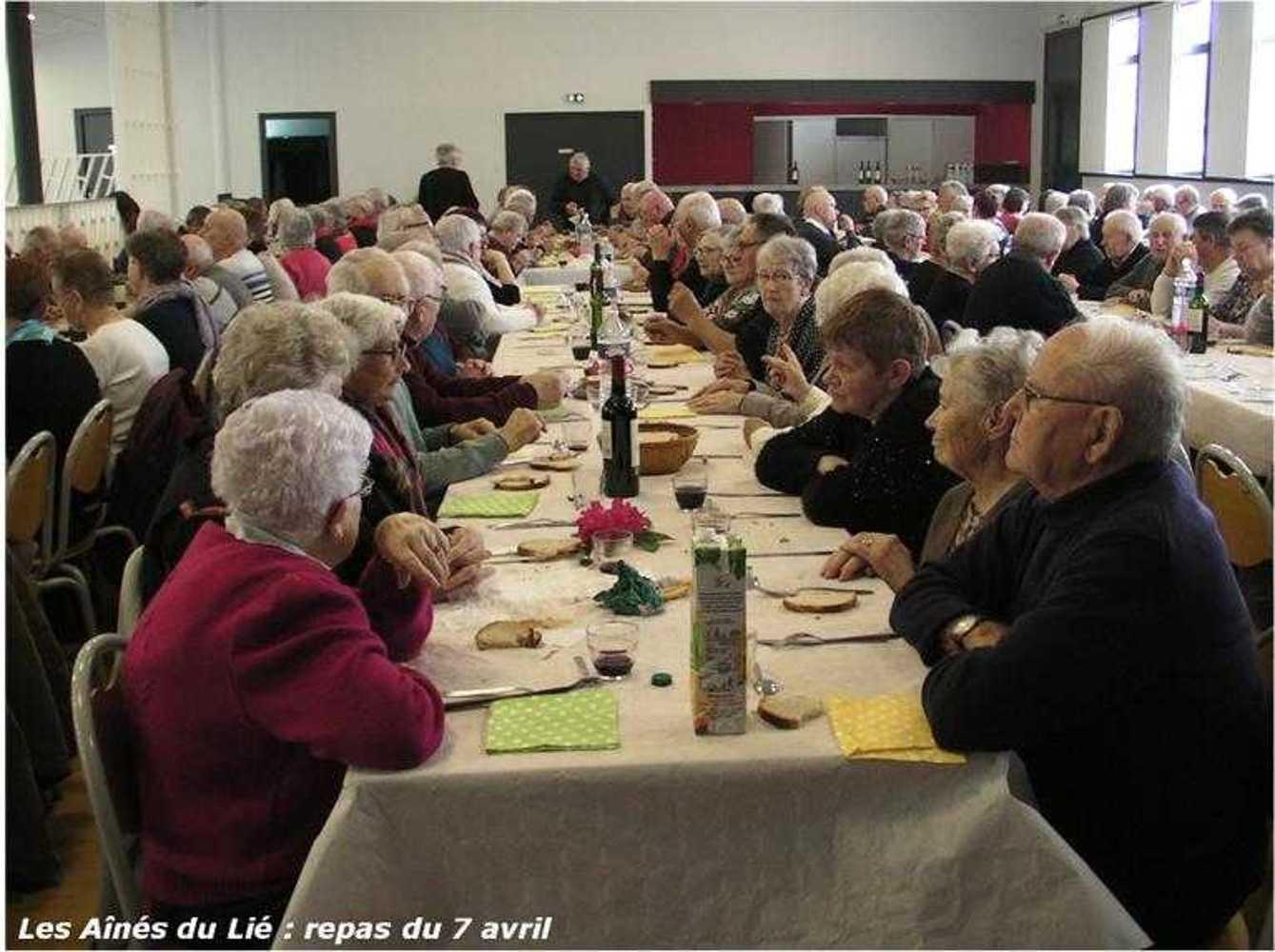 Les Aînés du Lié : photos du repas langue de boeuf image34