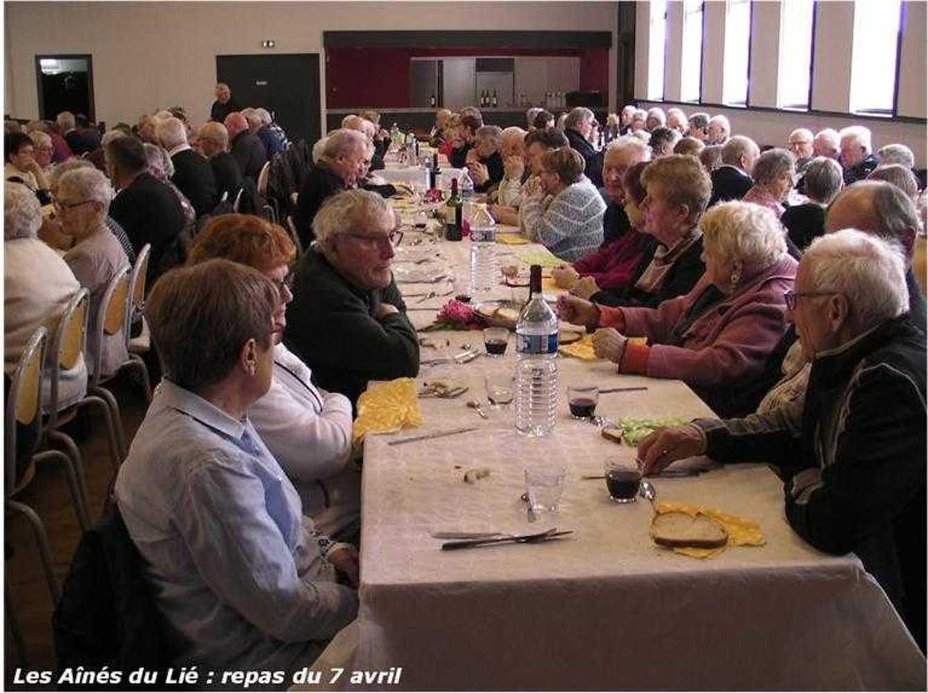 Les Aînés du Lié : photos du repas langue de boeuf image35