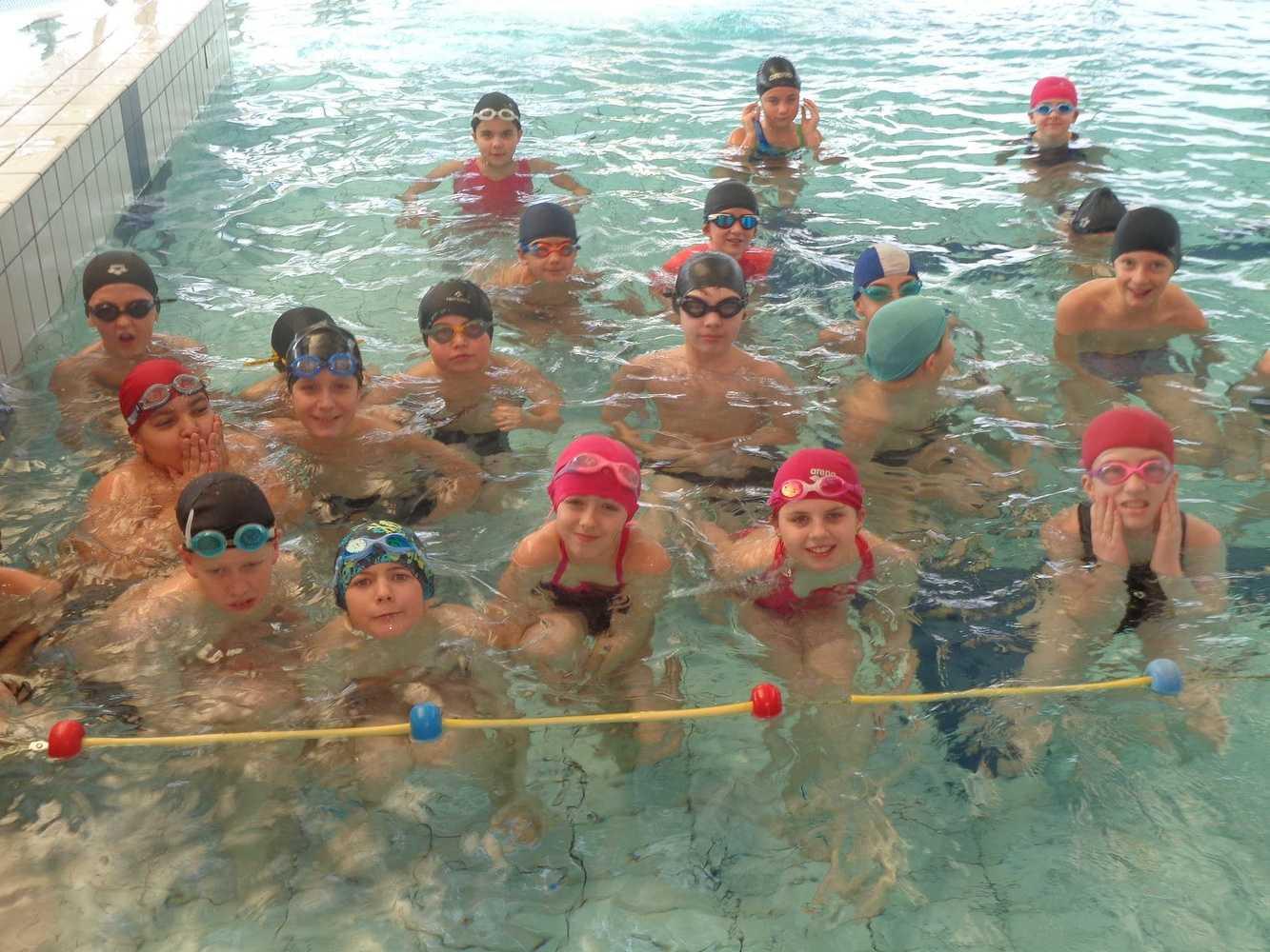 Séances de piscine pour les 6ème piscine2