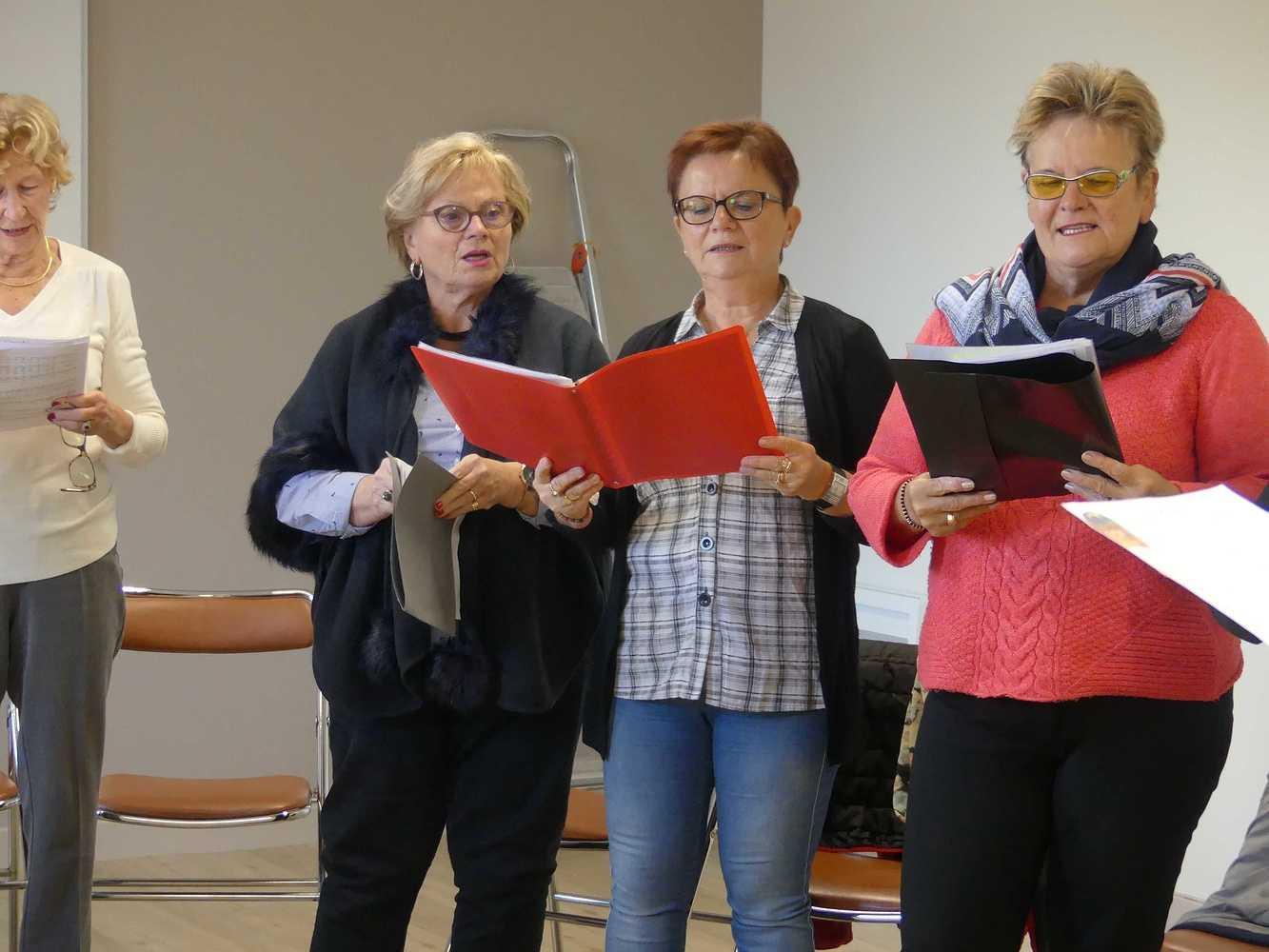 Photos de la chorale des Aînés du Lié p1000944