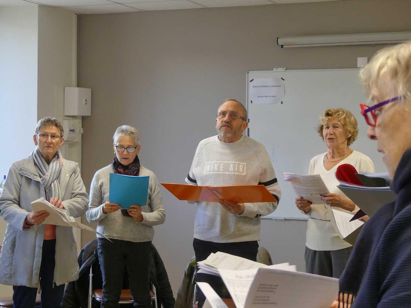 Photos de la chorale des Aînés du Lié p1000946
