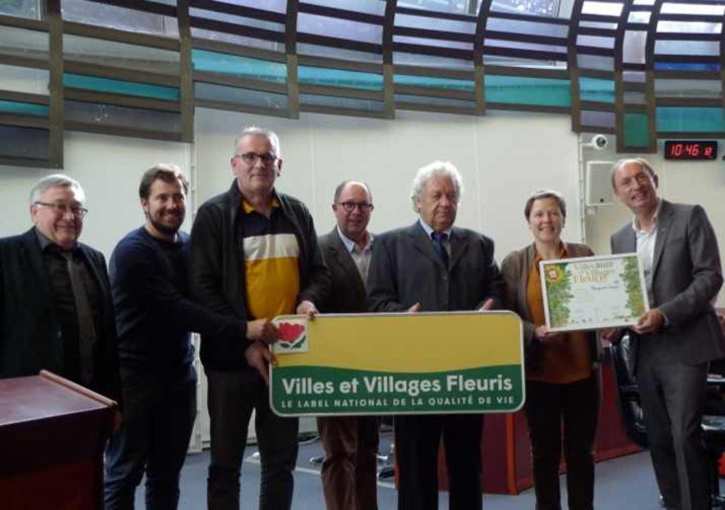 Concours régional villes et villages fleuris : Première Fleur pour Plouguenast-Langast image2