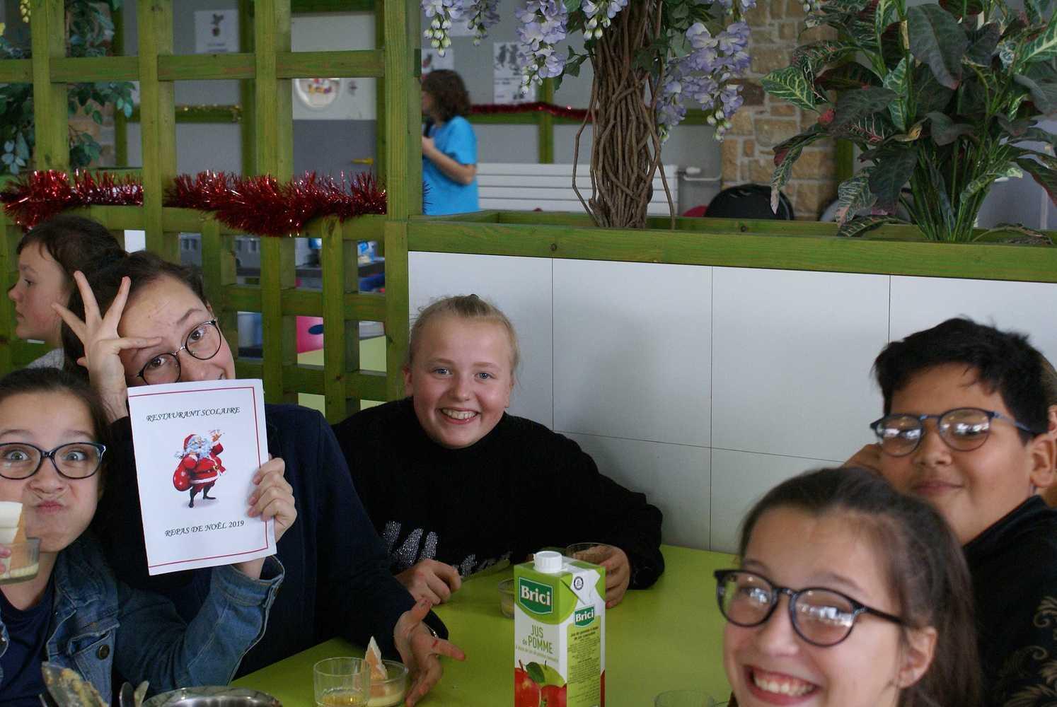 Noël au restaurant scolaire dsc035581