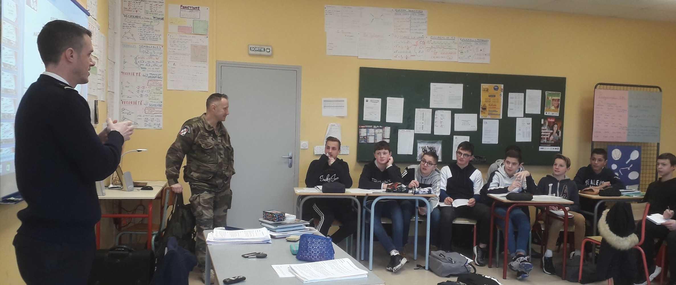Rencontre avec les représentants du Centre d''Information et de Recrutement des Forces Armées 0