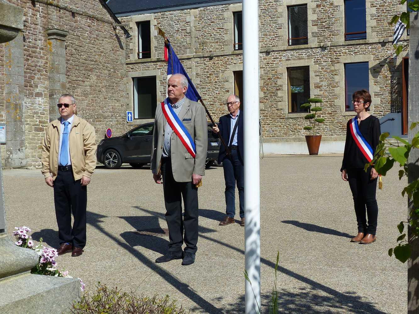 Photos de la cérémonie du 8 mai p1150078