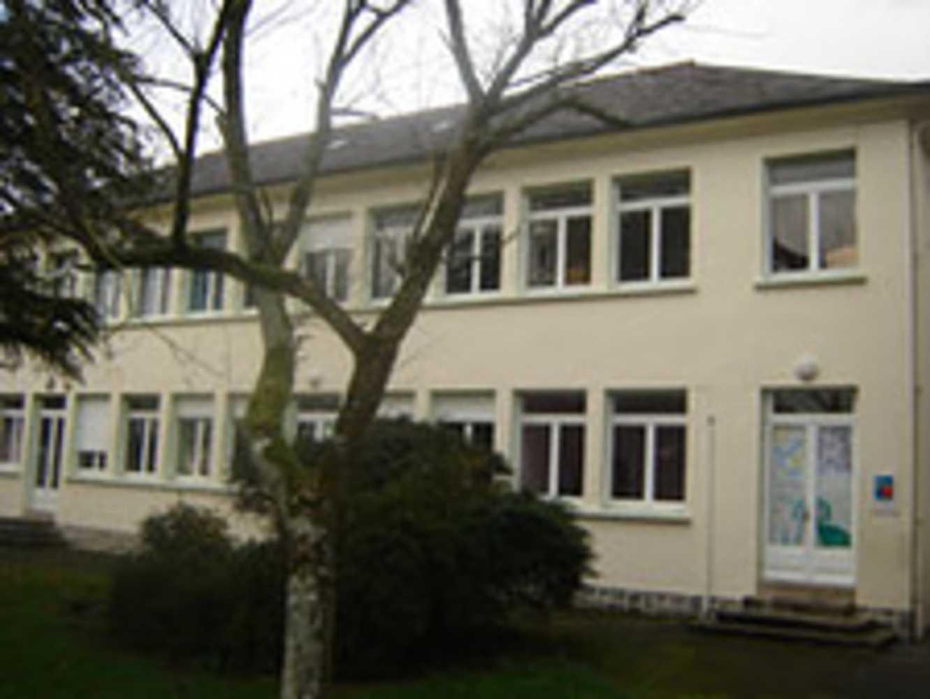 École privée maternelle et primaire Saint-Pierre 0