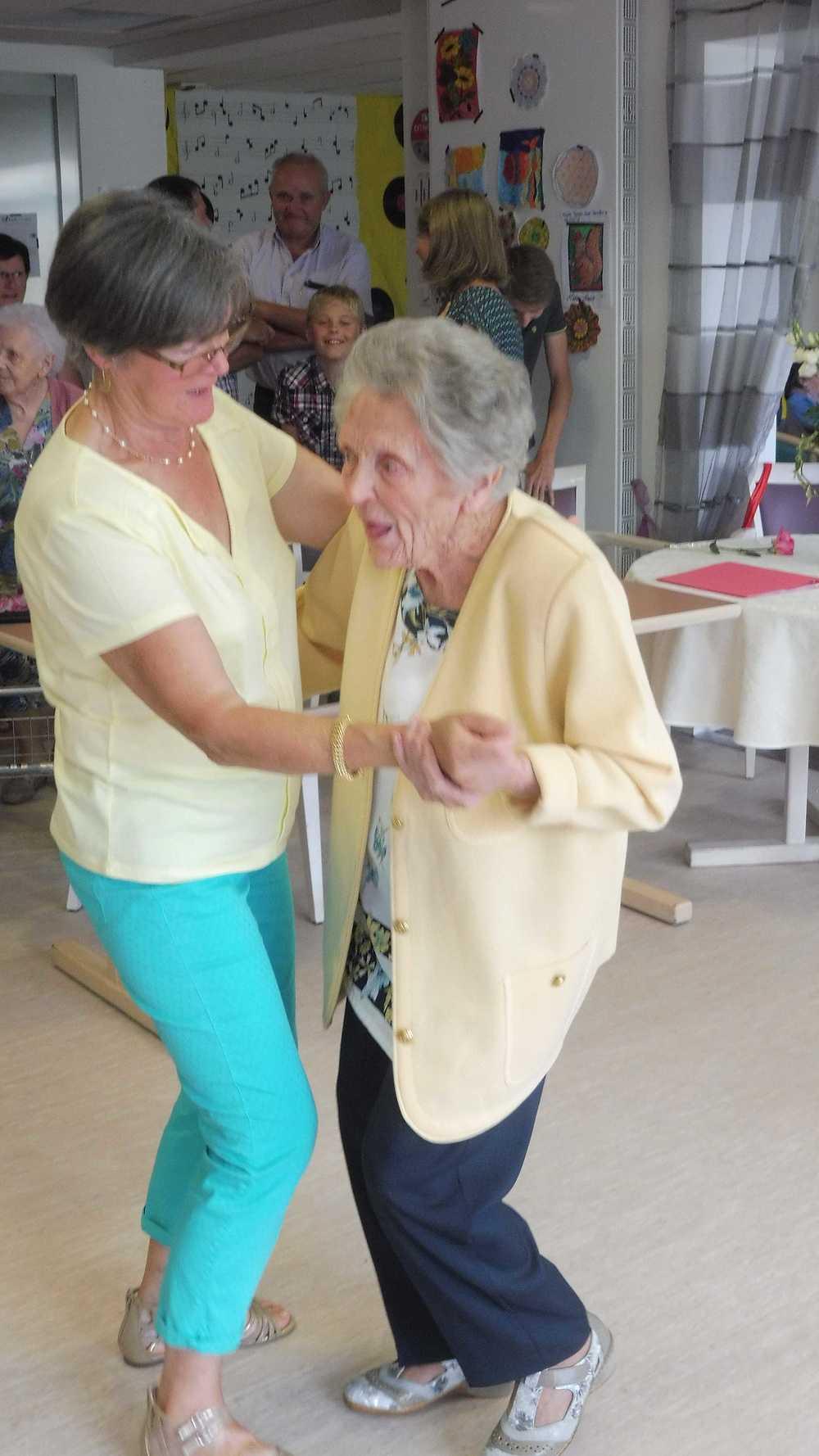 Résidence Kermaria - 100 ans de Mme Eugénie Toutain 100ans6