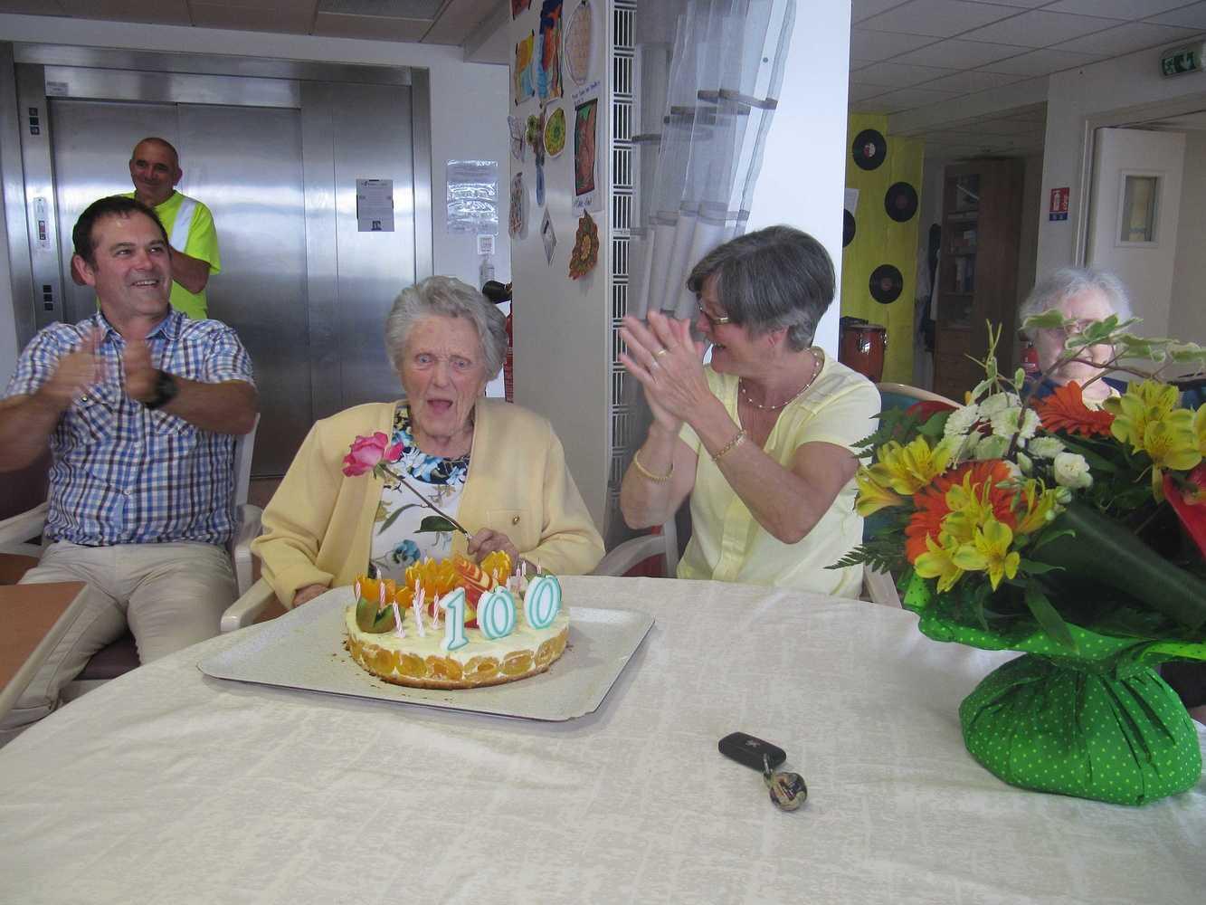 Résidence Kermaria - 100 ans de Mme Eugénie Toutain 100ans8