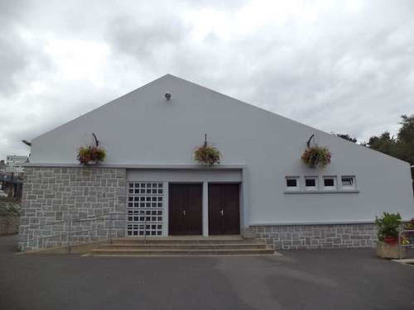 Salle des fêtes Plouguenast 0